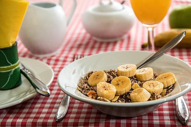 朝食に出る定番おかずは?